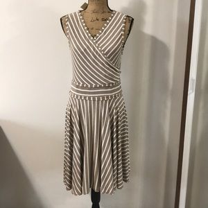 NWT MAX STUDIO knit dress. Size L.